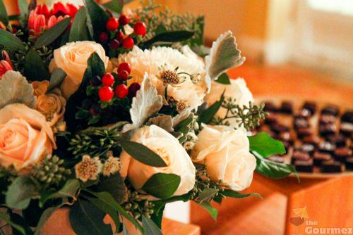 floral arrangment, white, red, jordan winery